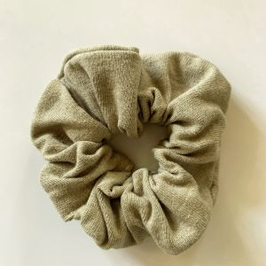MOTHER BY NATURE PEPPY PISTACHIO SCRUNCHIE